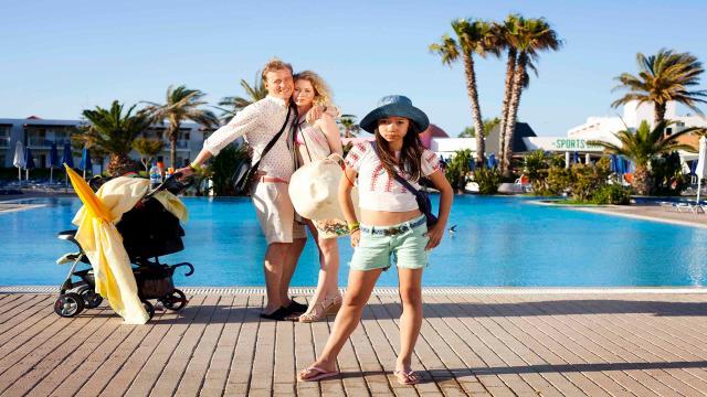 來去希臘住一夏劇照 3