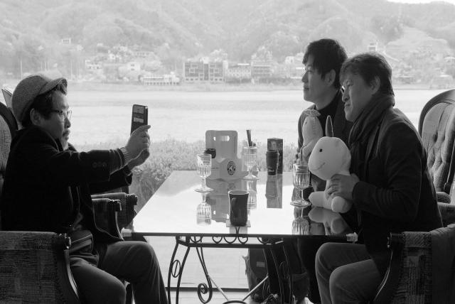 江邊旅館劇照 6