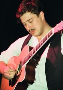 蒙福之子Mumford and Sons:威廉斯堡音樂廳現場演唱會線上看