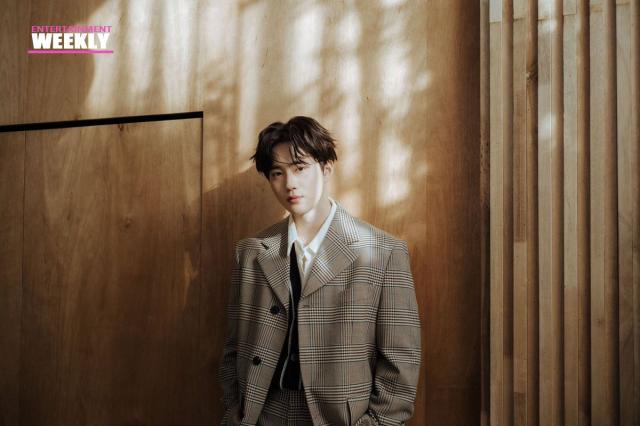 韓國娛樂週刊金俊勉 SUHO 線上看