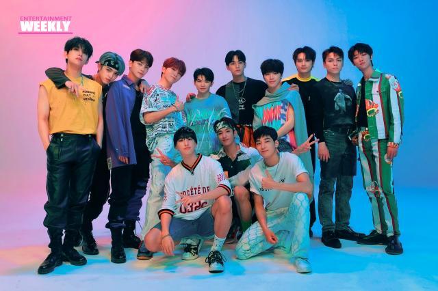 韓國娛樂週刊SEVENTEEN《Left & Right》 線上看