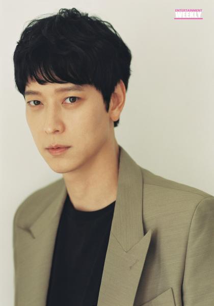 韓國娛樂週刊 姜棟元《屍速列車:感染半島》線上看