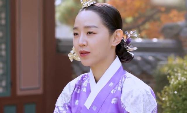 韓國娛樂週刊 申惠善《哲仁王后》劇照 1