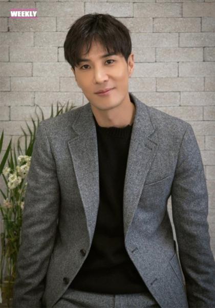 韓國娛樂週刊 金知碩《月刊家》線上看
