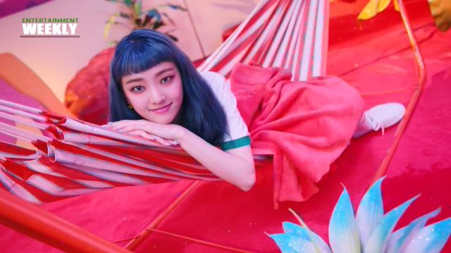 韓國娛樂週刊 Everglow新單曲 為孩童發聲劇照 2