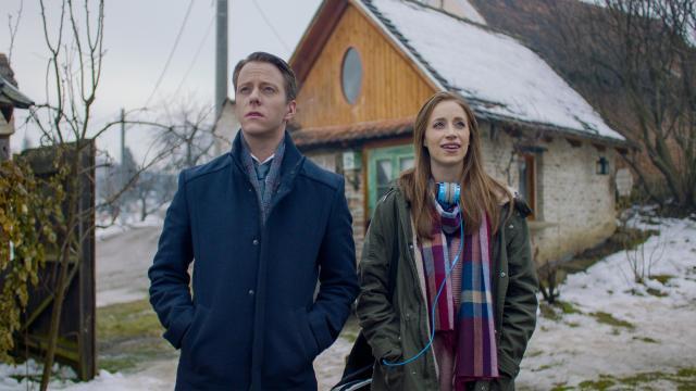 波蘭小鎮的舞犬預告片 01
