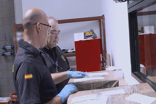 西班牙邊境護衛隊 第9集劇照 1