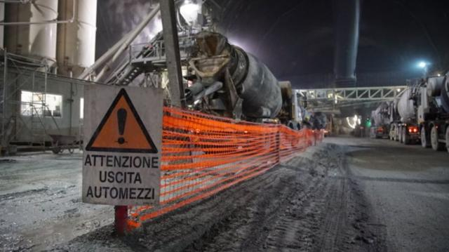 理查哈蒙玩很大第5集【世界最長火車隧道】 線上看