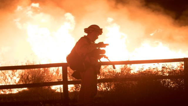 加州野火英雄 全集第3集【滿山烈焰】 線上看