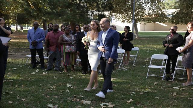 到美國結婚去 第七季第13集【最後一刻】 線上看