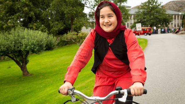薩拉的單車夢劇照 2