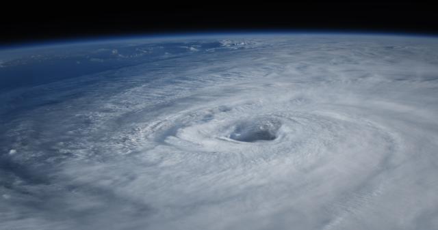 超級颶風生與死劇照 2