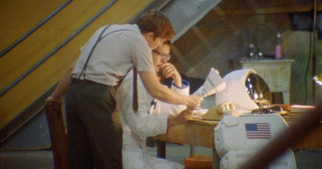 我送阿姆斯壯上月球預告片 01