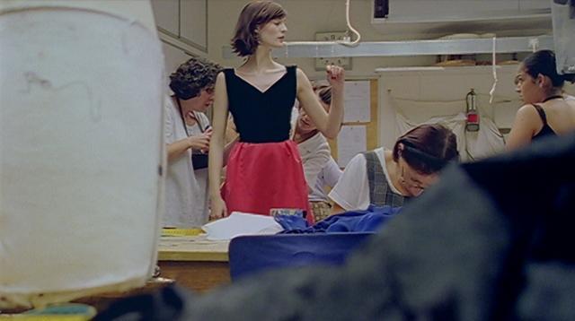 聖羅蘭:時尚影子的人生劇照 2