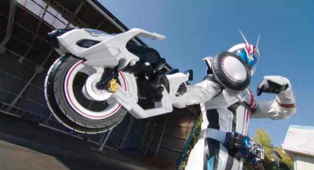 假面騎士Drive第12集【白色的假面騎士是從哪來的】 線上看