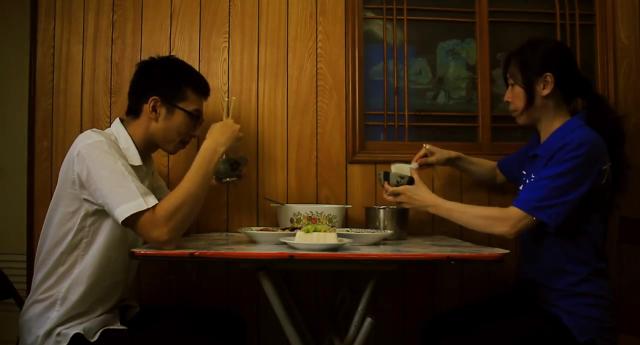第九屆myfone行動創作獎微影展-微電影佳作-晚餐(Dinner is ready)劇照 1