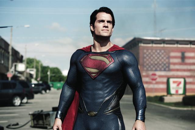 超人:鋼鐵英雄預告片 01