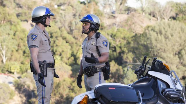 加州公路巡警劇照 2