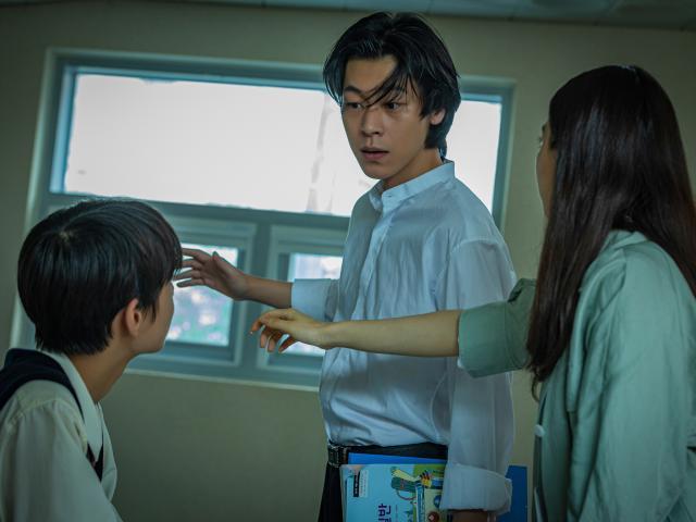 韓國校園恐怖怪談:點名沒到的學生劇照 2